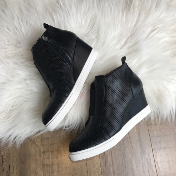 c464225ca2cb Linea Paolo Wedge Sneaker NEW